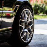 タイヤの空気圧高めにすると燃費はどうなる?メリットやデメリットは?